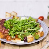 Italienischer-Rucola-Brot-Salat