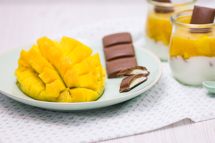 mango maracuja dessert mit schokolade rezept. Black Bedroom Furniture Sets. Home Design Ideas
