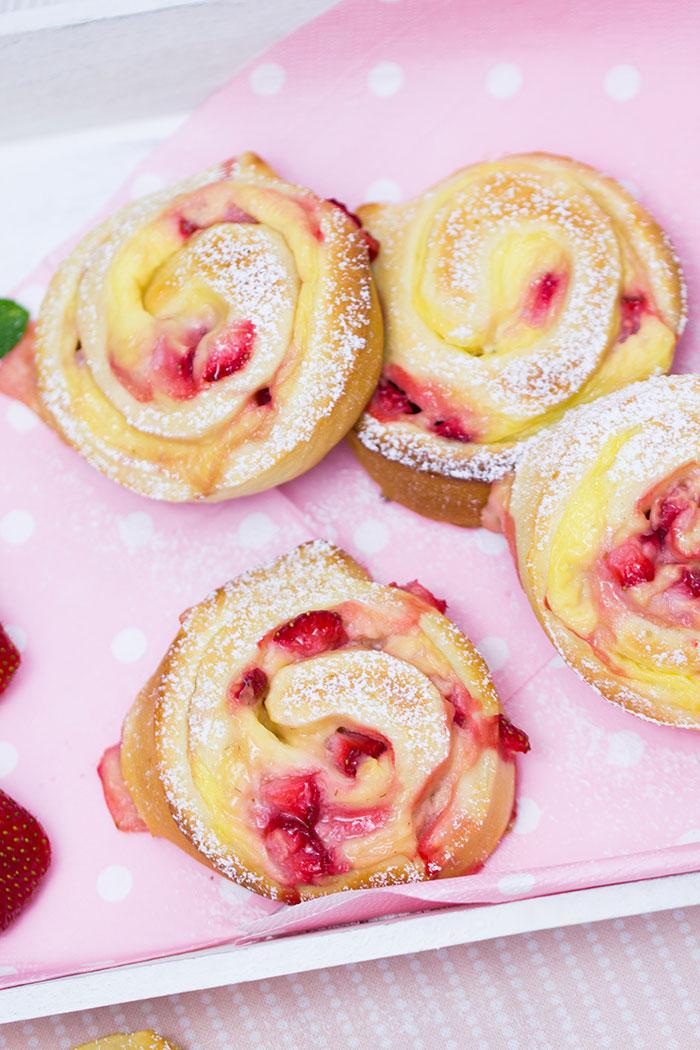 Erdbeer Vanillepudding Schnecken Rezept Verzuckert Blog De