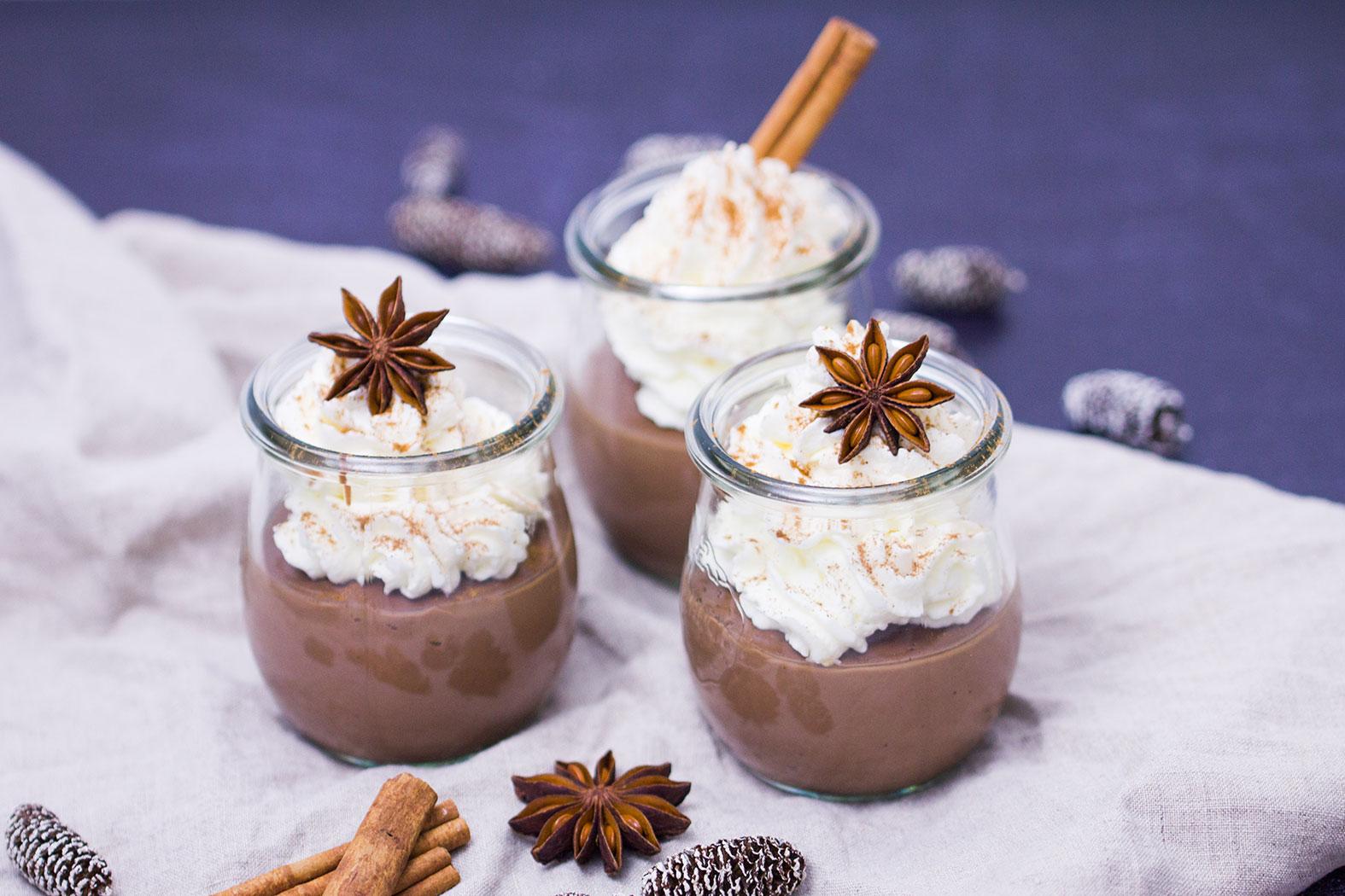 schokoladenpudding-mit-zimtsahne